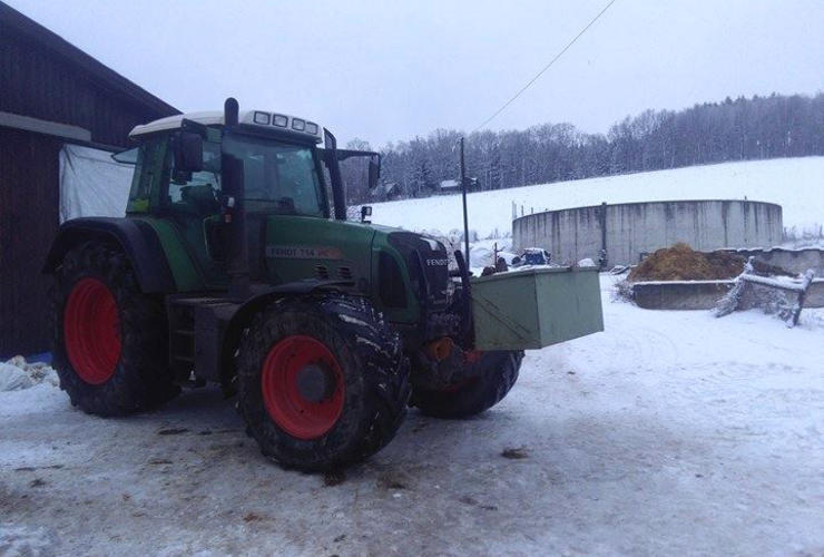 Traktor im Winter