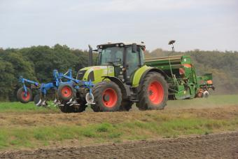 traction Claas Arion 640 Schmuck 2-1