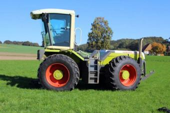 Claas Xerion 2500