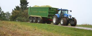 New Holland-Maissilage-Transport-Anhaenger