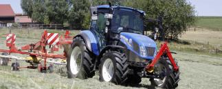 Traktor New Holland T5