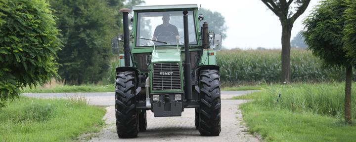 traction Fendt Favorit 626 breit 1