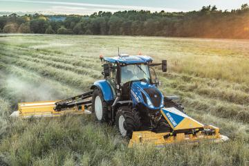 New Holland T.180 Mähen