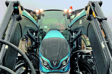 Valtra G 135 Versu Unlimited Edition