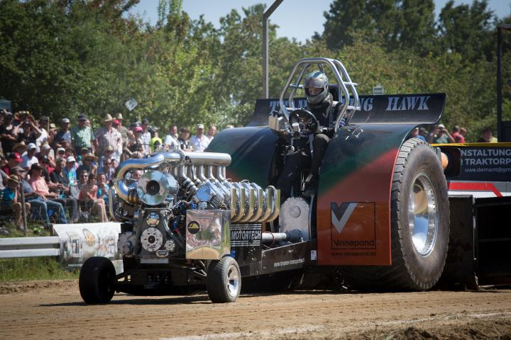 Tractorpulling-Flying Hawk